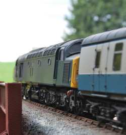 loco and train painting and weathering